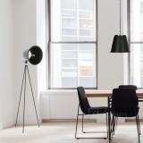 stojaci-zavesna-lampa-taboo-cerna-stuů-zidle-kancelar-okno-podlaha-industrial