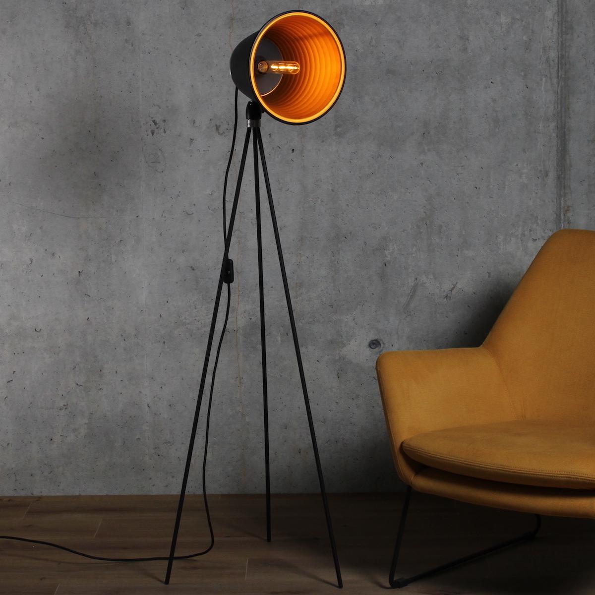 kovova-stojaci-lampa-taboo-zlatá-uvod