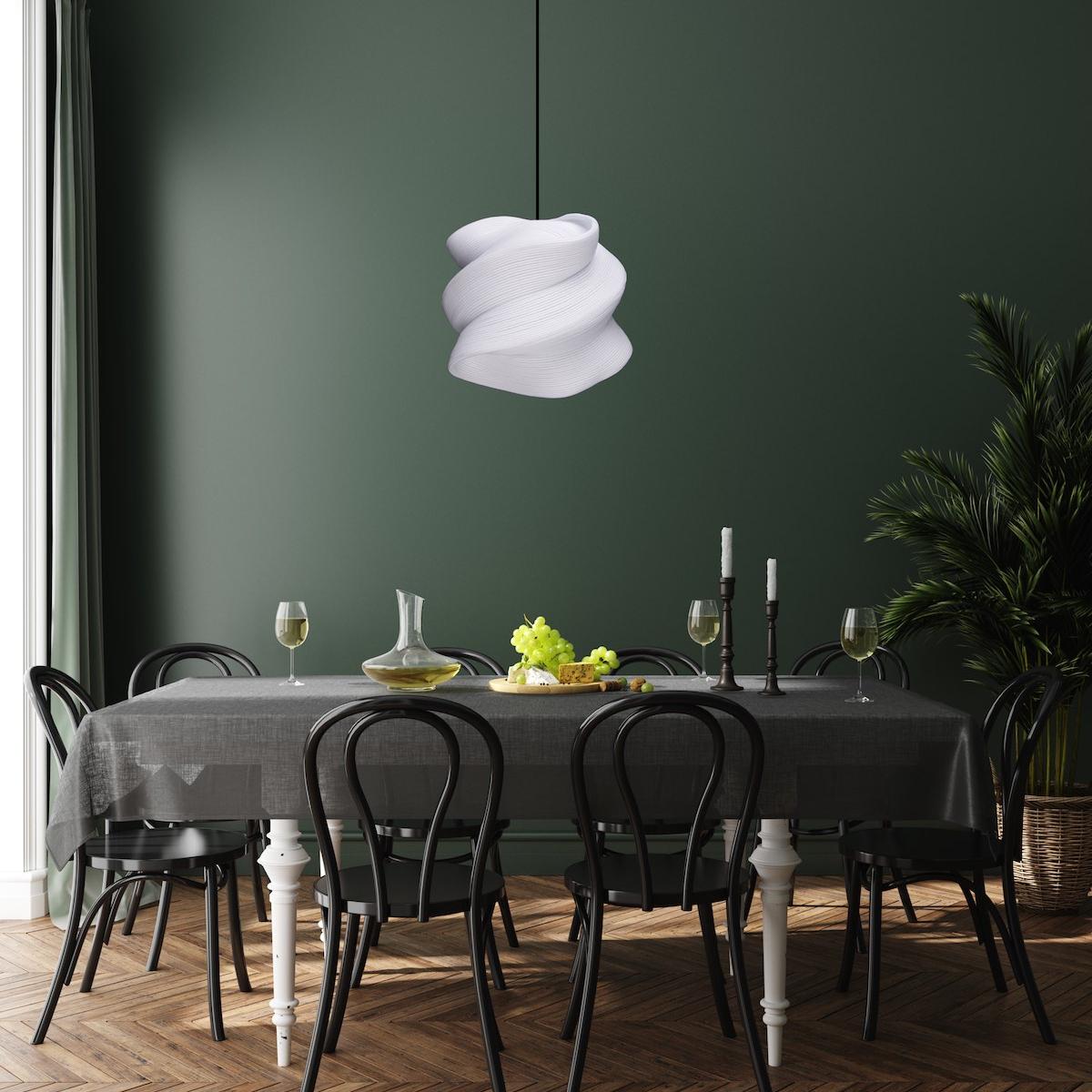 zavesne-osvetleni-zippoo-l-nad-kuchynskym-stolem